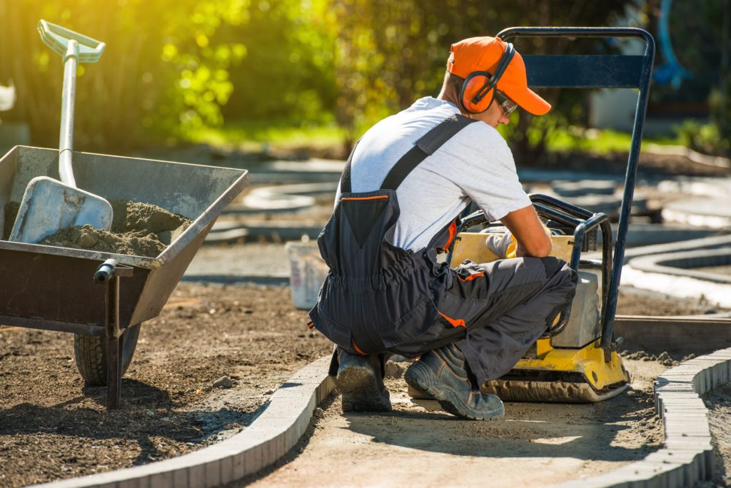 Arbeiter beim Gartenbau